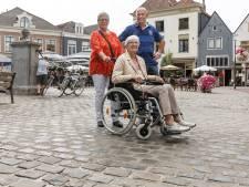 Nieuwe bestrating Markt in Hattem laat op zich wachten