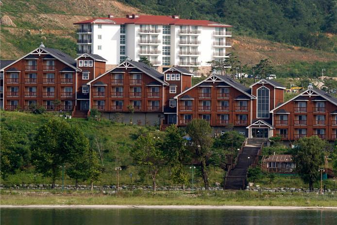 Volgens Kim Jon-un ziet de hotelaccommodatie eruit als een veldhospitaal in een rampgebied.