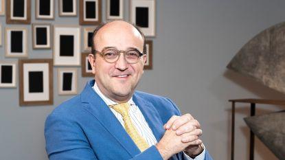 """Kunstdealer Patrick Van der Vorst uit 'Stukken Van Mensen' wordt priester: """"De excuses zijn op"""""""
