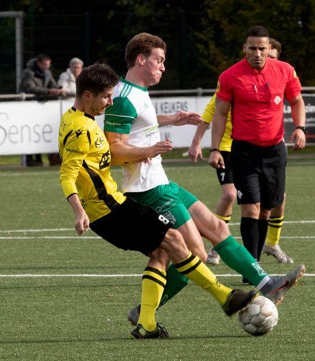Geldrop wint makkelijk van ZSV; Deurne wint in Weert