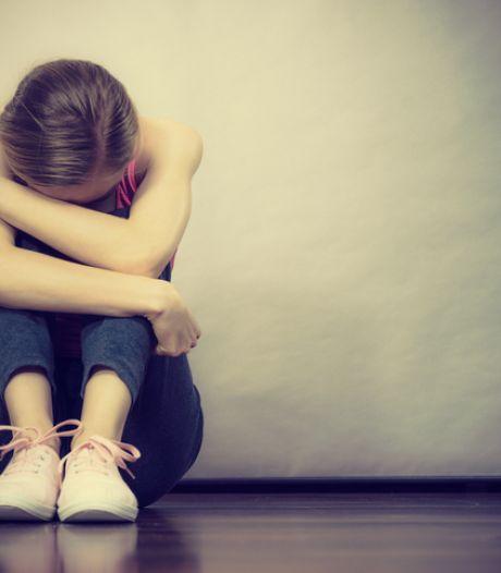 Meer kinderen in ziekenhuis na zelfmoordpoging door coronacrisis: 'Het wordt steeds erger'