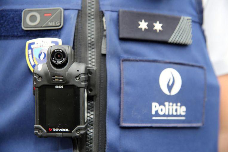 De lokale politie gaat voortaan vaker met bodycams op pad.