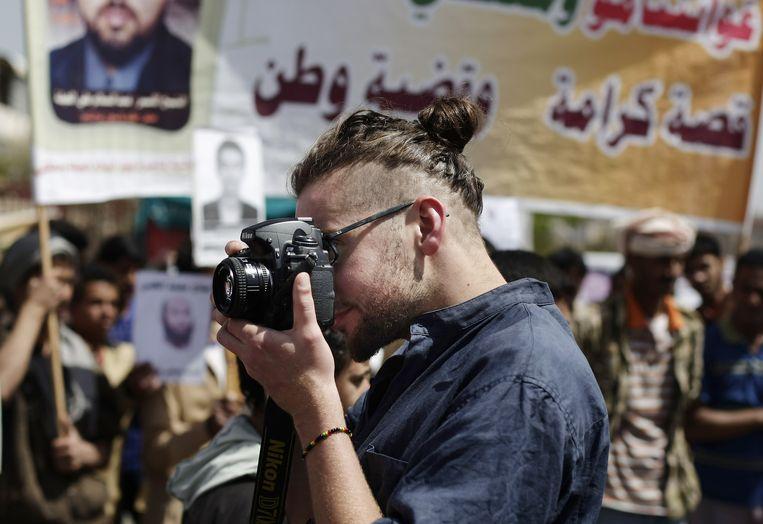 De Amerikaanse fotojournalist Luke Somers. Somers en een Zuid-Afrikaanse leraar kwamen gisteren om bij een mislukte reddingsactie van het Amerikaanse leger. Beeld ap