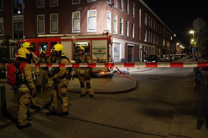De brandweer is met groot materieel uitgerukt naar de Jagthuisstraat in Rotterdam-West.