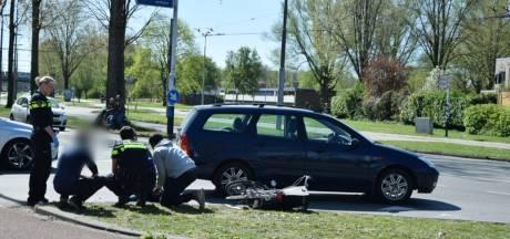 Vrouw gewond door aanrijding met auto in Arnhem-Zuid