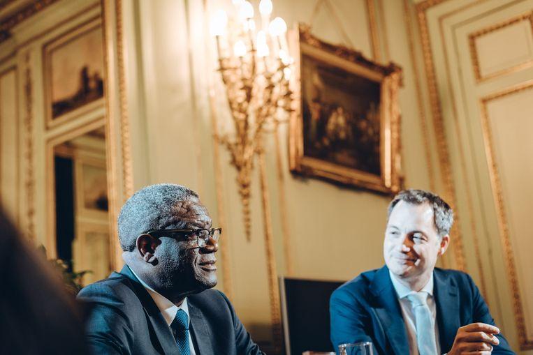 België zou meer kunnen doen voor Congo, zegt Nobelprijswinnaar Denis Mukwege. Minister van Ontwikkelingssamenwerking Alexander De Croo (Open Vld) vindt dat de bal in het kamp van het Congolese regime ligt. Beeld Thomas Sweertvaegher