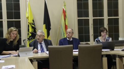 """Laatste gemeenteraad voor oude rotten Browaeys en De Meuleneire: """"We blijven wel beschikbaar voor de politiek"""""""