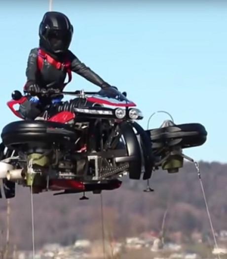 Deze motorfiets kiest binnen een minuut het luchtruim