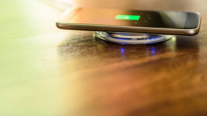 Je smartphone draadloos opladen? Dit moet je weten