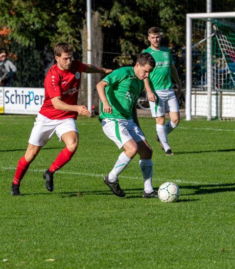 Ceuppens helpt Vivoo met hattrick langs Nieuw Borgvliet, Wernhout wint derby van Achtmaal