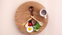 """""""Intermittent fasting is geen dieet maar gedragsverandering"""": sportarts over de 'gezondheidsbooster' waarmee Pieter Loridon 19 kg afviel"""