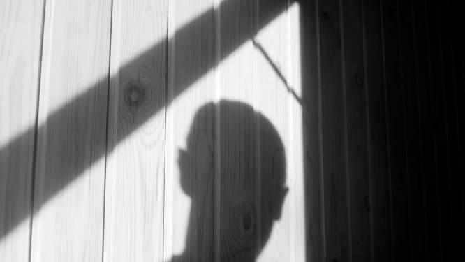 Tweede geval van onbekende man die woning van bejaarde vrouw binnendringt om geld te stelen