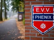 Nieuwe trainer én nieuwe speeldag voor voetbalclub Phenix