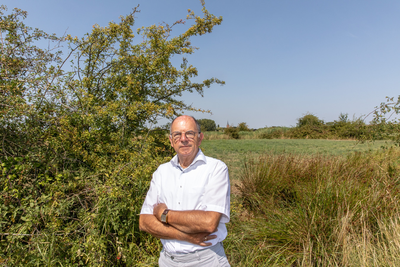 Frans Pieters in de omgeving van Nisse, waar een belangrijk deel van zijn nieuwe roman speelt.