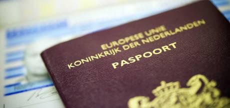 Snel een nieuw paspoort voor vakantie? Dan moet je in Lelystad rekening houden met een flinke wachttijd