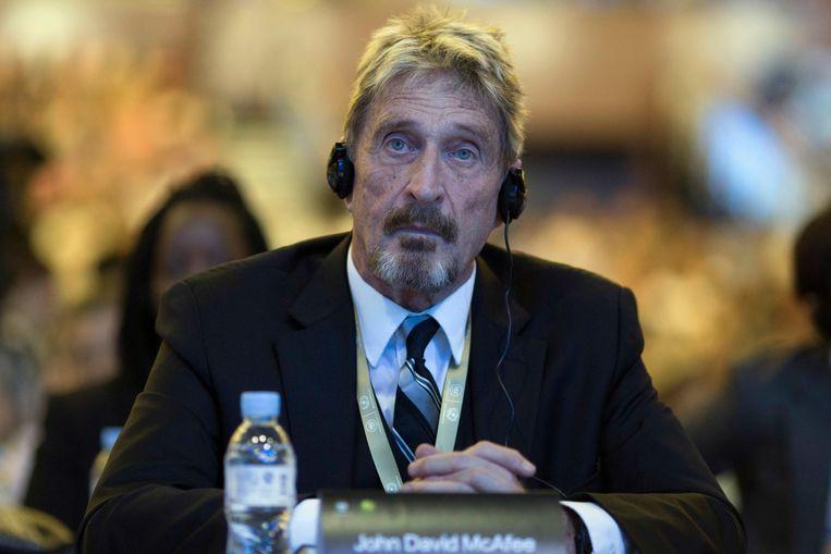 John McAfee tijdens een rechtszaak in 2016 Beeld AP