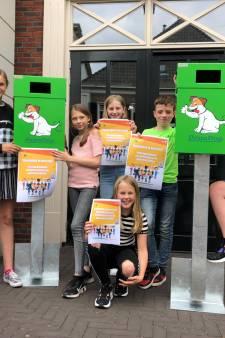 Kindergemeenteraad: 'Verbeter de wereld, begin in de gemeente Aalten: hondenkak in deze bak'
