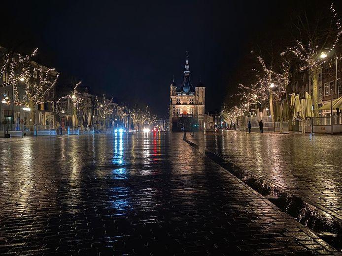 Een lege Brink in Deventer