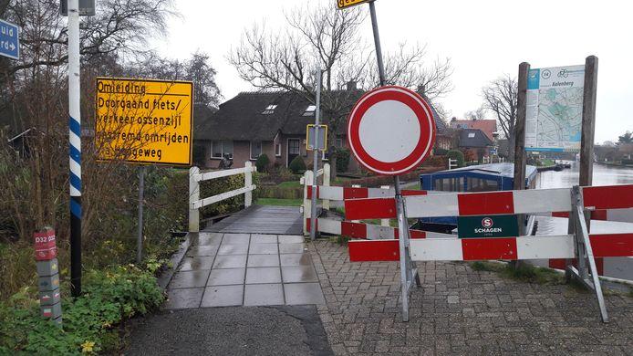 Het fietspad is afgesloten in verband met werkzaamheden.