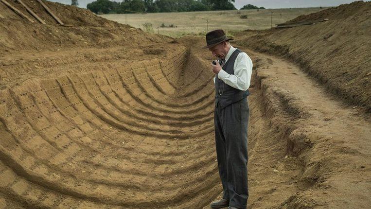 Een scène uit de film 'The Dig', te zien op Netflix. Beeld