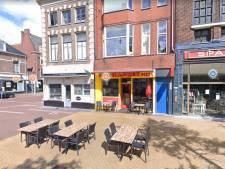 Auto rijdt Groningse kebabzaak binnen, lachgasflessen gevonden