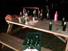 Zo'n dertig jongeren vieren feestje in buitengebied Halsteren, handvol wordt beboet