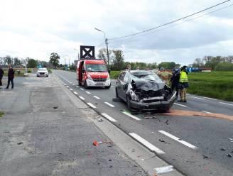 Motorrijder in levensgevaar na frontale aanrijding in Sint-Lievens-Esse