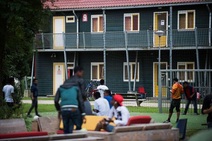 Sinds 1990 kent Oisterwijk een asielzoekerscentrum aan de Scheibaan.
