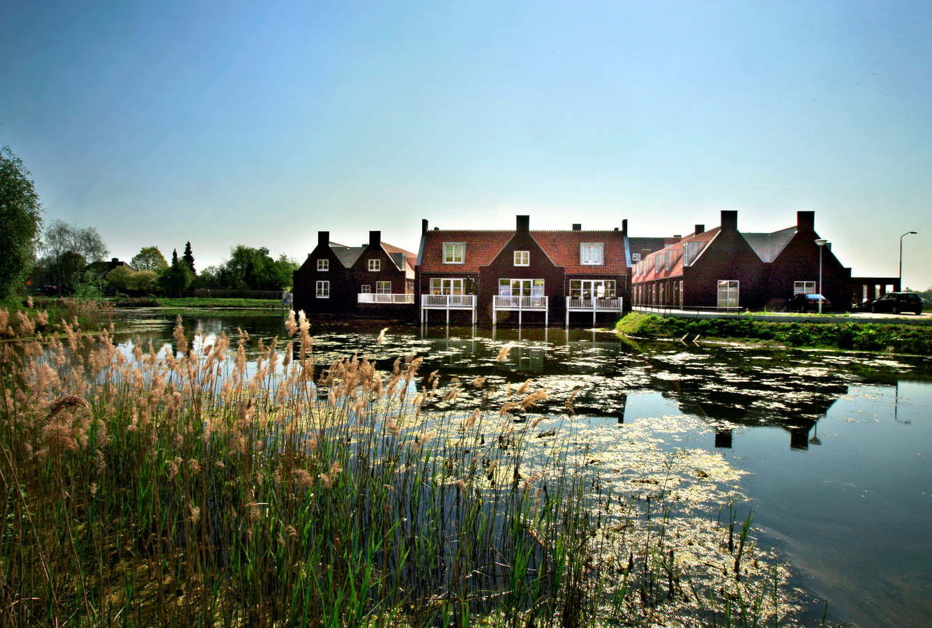 De woningen aan de waterberging van De Beekse Akkers in Beek en Donk.