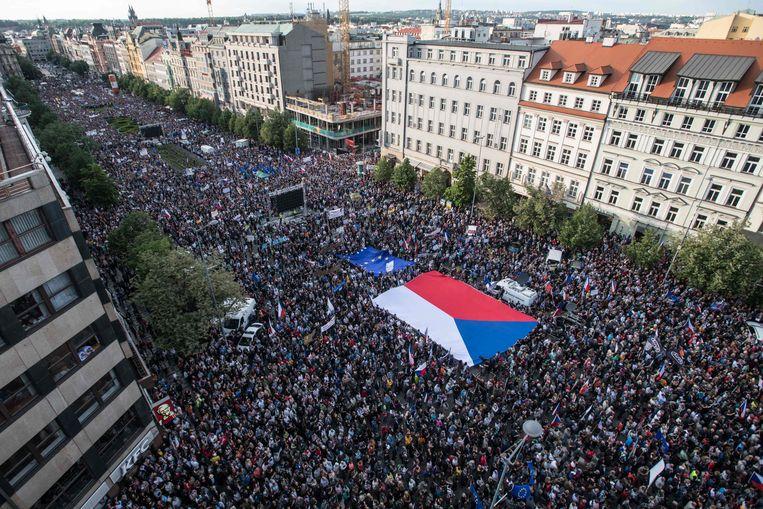 Demonstratie in Praag tegen de Tsjechische premier Andrej Babis. Beeld AFP