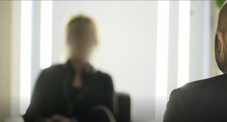 John van den Heuvel interviewt Sonja Holleeder in Moorddossier Holleeder. Beeld videoland