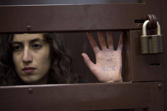 Faiza Oulahsen in oktober 2013, tijdens een van de rechtszaken tijdens haar gevangenschap in Rusland.