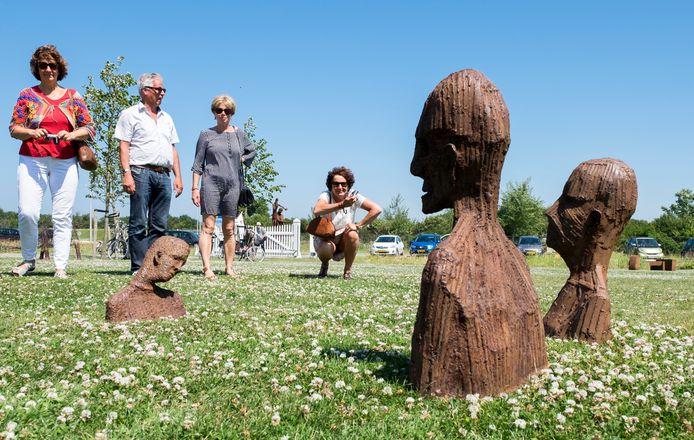 Installatiekunst in de open lucht: werk van Jan Ketelaar tijdens De Kunstschouw 2017.