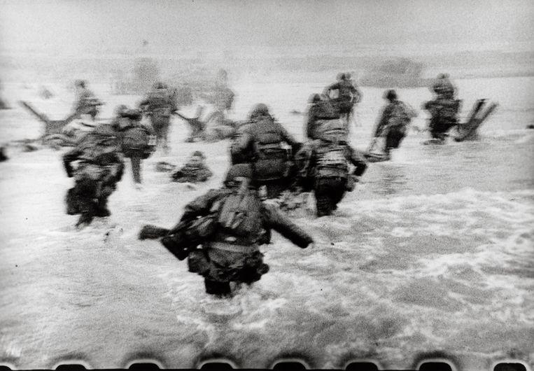 Eén van de onscherpe foto's van Robert Capa. Beeld ©Robert Capa © International C