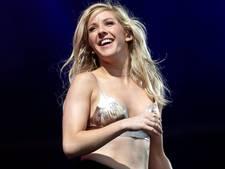 Hoogzwangere Ellie Goulding uit de kleren: 'Vrienden dachten nooit dat ik moeder zou worden'