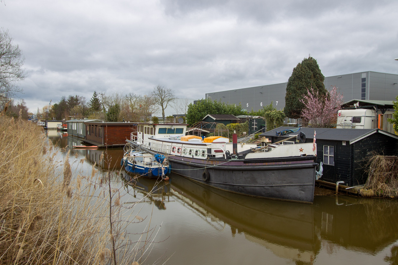 EINDHOVEN - De woonboten bij De Hurk