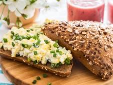 Eiersalade bevat soms wel 36 ingrediënten. Water bijvoorbeeld