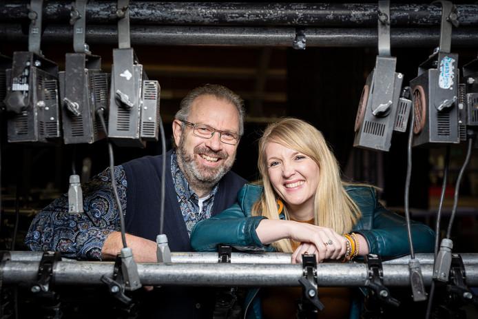 Marcel Willemse en Daniëlle van Tongeren in de zaal in opbouw; één dag voor de laatste editie van Goud voor Oud
