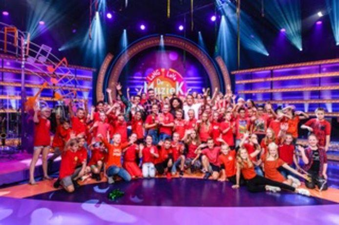Groep 7/8 C van basisschool de Beemd in Schijndel deed met succes mee aan het televisieprogramma Lang Leve De Muziekshow.