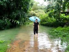 Eindhovense heeft veel geluk bij overstromingen India: alles tot en met de bedden is nat