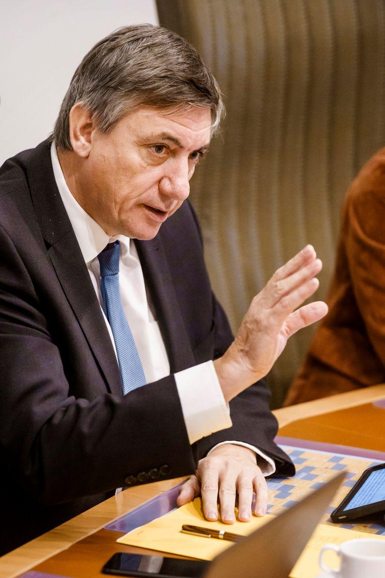 """Cultuurminister Jan Jambon: """"De algemene besparingslijn die we nastreven, wordt behouden. Maar ik wil wel bekijken of er binnen het Kunstendecreet een verschuiving mogelijk is. Niet voor de goedkeuring van de begroting in december, maar wel in het licht van de begrotingscontrole in maart."""" Beeld Eric de Mildt"""