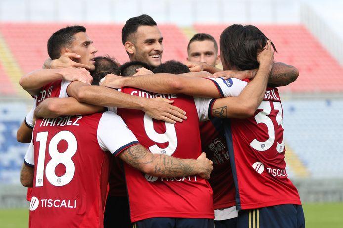 Cagliairi wint na doelpuntenfestijn van Crotone.