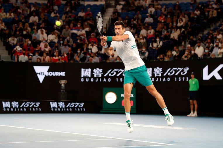 Novak Djokovic maakte in Melbourne komaf met Daniil Medvedev.  Beeld REUTERS
