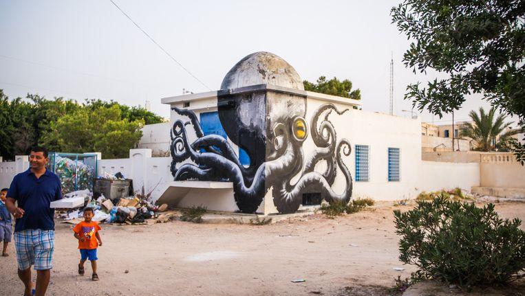 Een muurschildering van de Belgische street artist Roa in Djerba. Het graffititalent staat niet in de top 20 van Cult, maar had het net zo goed verdiend. Beeld Aline Deschamps - Galerie Itinerrance