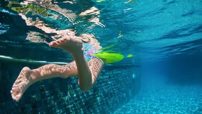 Kind (4) van verdrinkingsdood gered in subtropisch zwembad