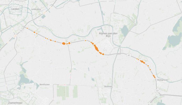 Er is geen provinciale weg met zoveel flitsmeldingen per kilometer als de N11 tussen Bodegraven en Leiden. Flitsmeldingen uitgelicht in oranje. © Flitsmeister