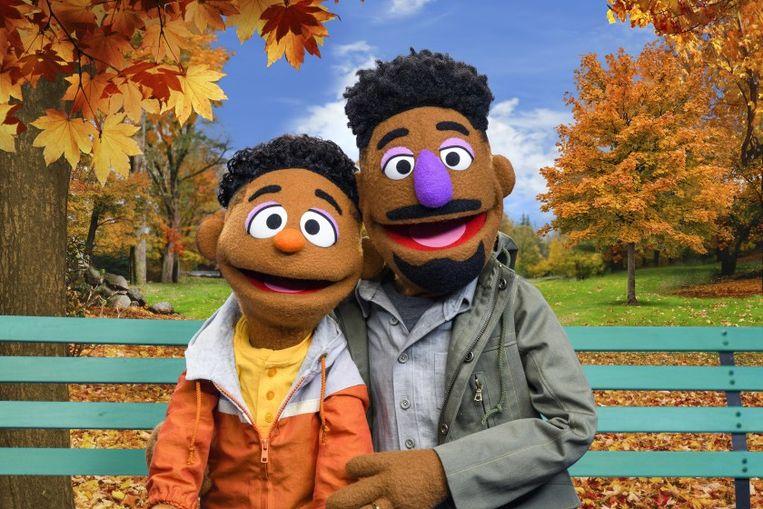 Wesley Walker en z'n papa Elijah. Beeld Sesame Street In Communities