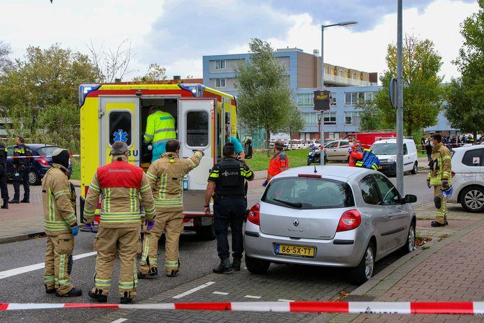 Het slachtoffer werd per ambulance met spoed overgebracht naar het ziekenhuis.