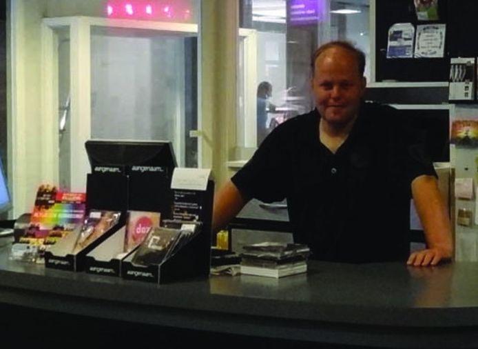 Maurice Tonies runt sinds drie jaar de CD Kiosk in de Schakel.