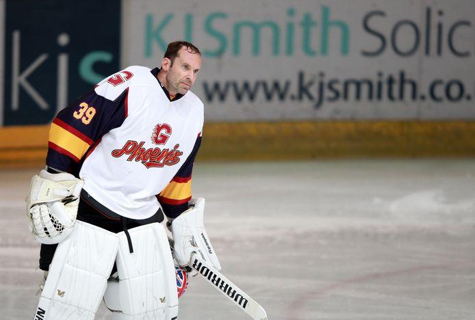 In oktober vorig jaar was Petr Cech even ijshockeykeeper bij Guildford Phoenix op het tweede niveau in Engeland.